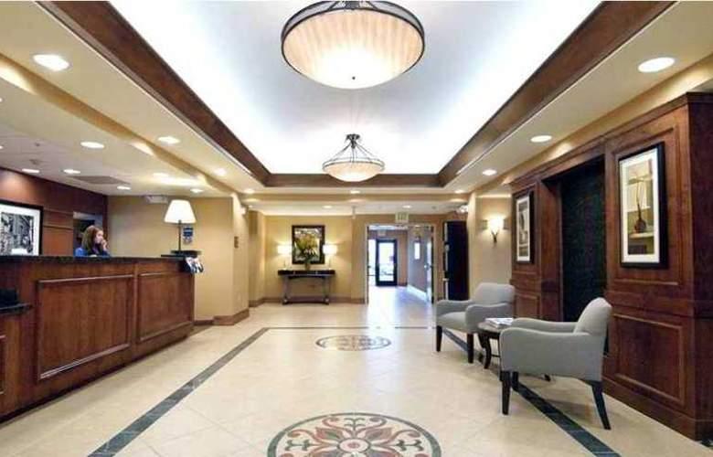 Hampton Inn & Suites Seal Beach - Hotel - 6