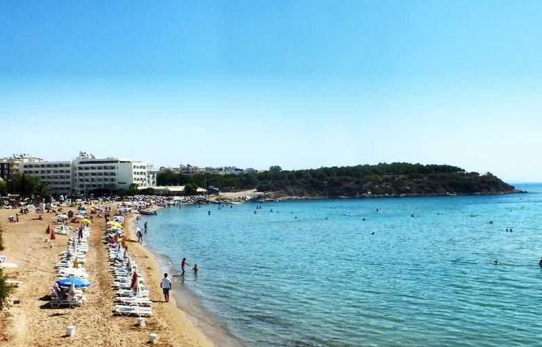 Tuntas Hotel Altinkum - Beach - 23