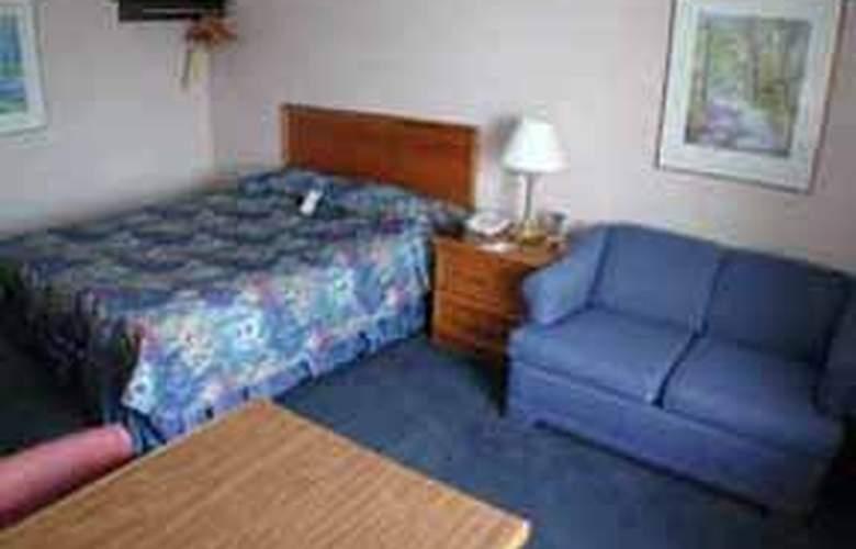 Comfort Inn Guelph - Pool - 4