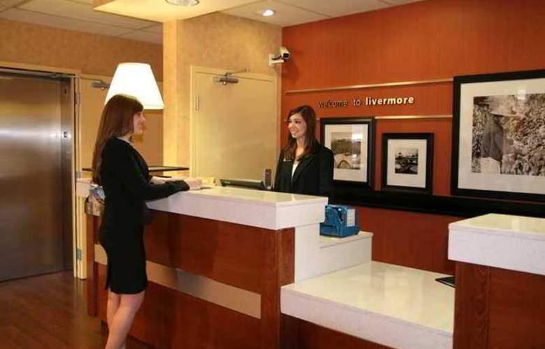 Hampton Inn Livermore - Hotel - 0