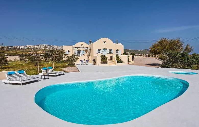 Sienna Residences - Pool - 11