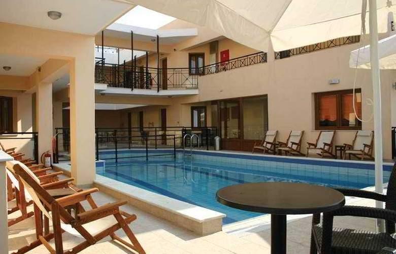 Dabassis Aparthotel - Pool - 3