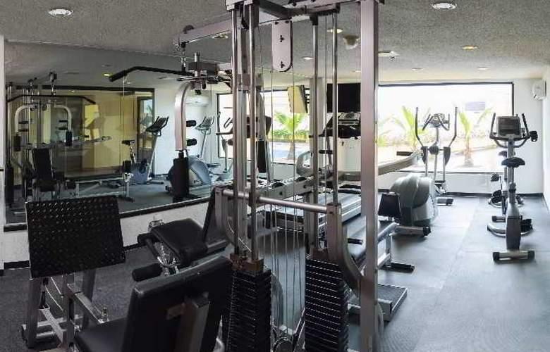 La Quinta Inn & Suites Monterrey Norte - Sport - 3