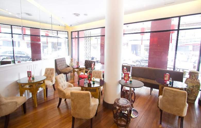 China Town Hotel - Bar - 36