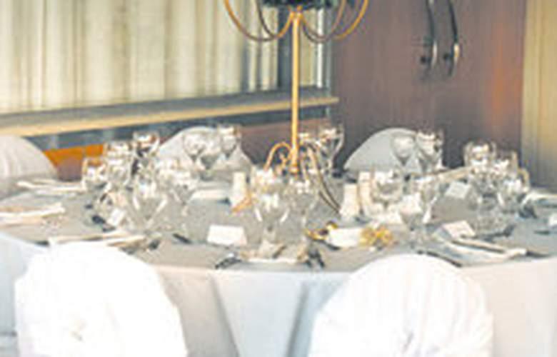 Metro Hotel Perth - Restaurant - 4