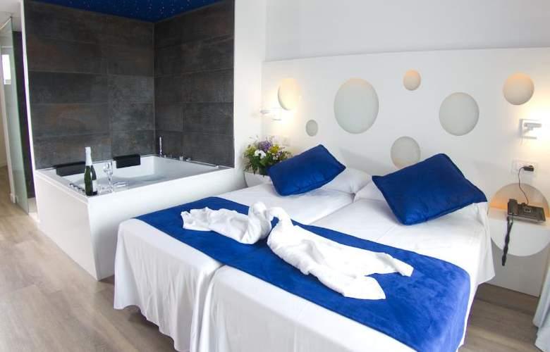 Triton Beach by Crea Hoteles (Sólo Adultos) - Room - 9