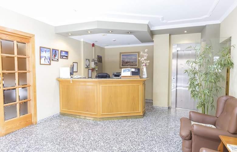 Paris Hotel - General - 2