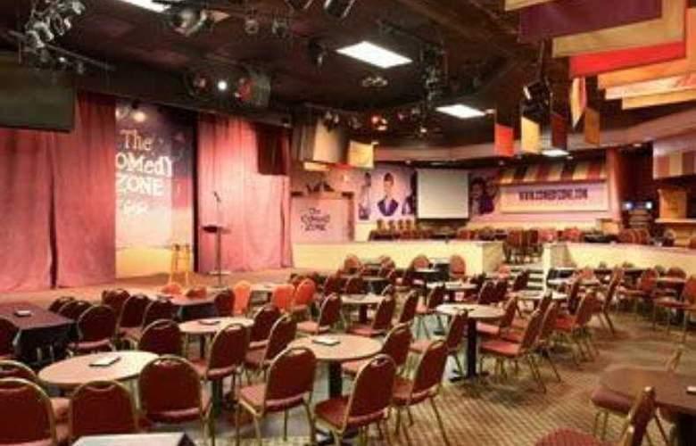 Ramada Conference Center - Bar - 5