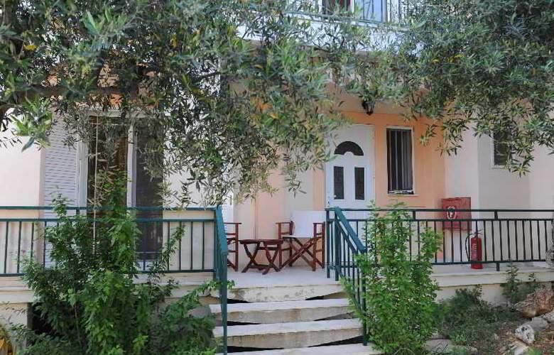Villa Magemenou - Terrace - 3
