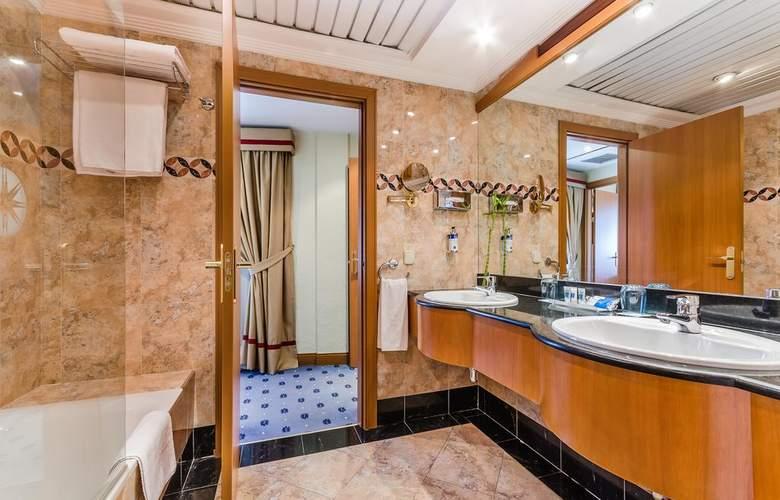 Exe Sevilla Macarena - Room - 7