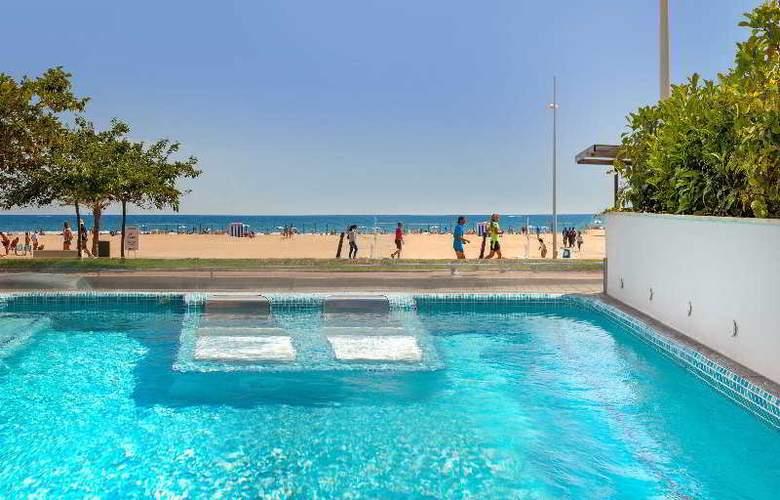 RH Bayren - Pool - 17