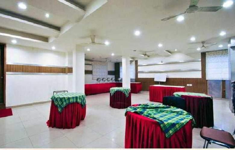 Mandakini Plaza Kanpur - Hotel - 9
