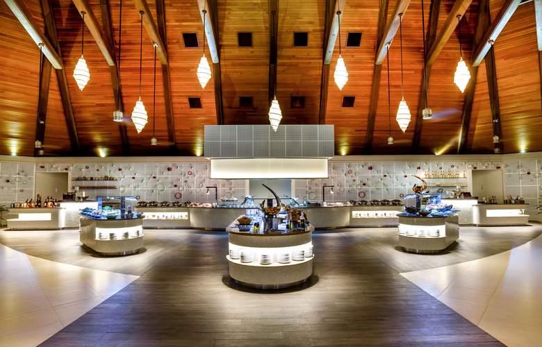 Kurumba Maldives - Restaurant - 40