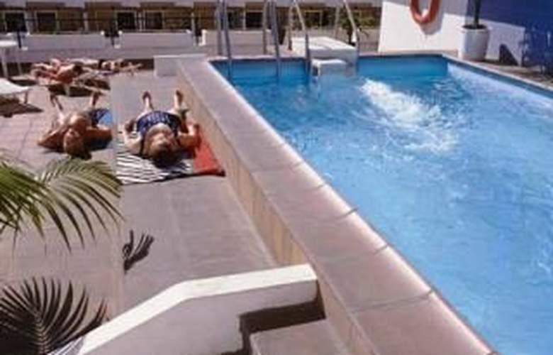 Park Plaza - Hotel - 0