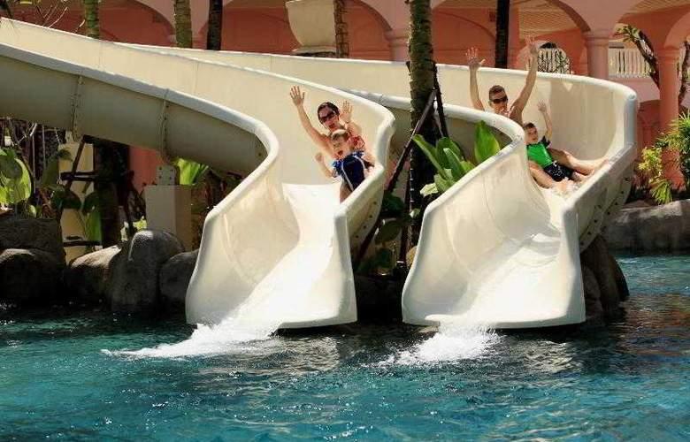 Centara Grand Beach Resort Phuket - Pool - 29