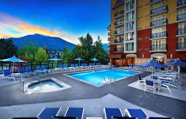 Hilton Whistler Resort & Spa - Pool - 19