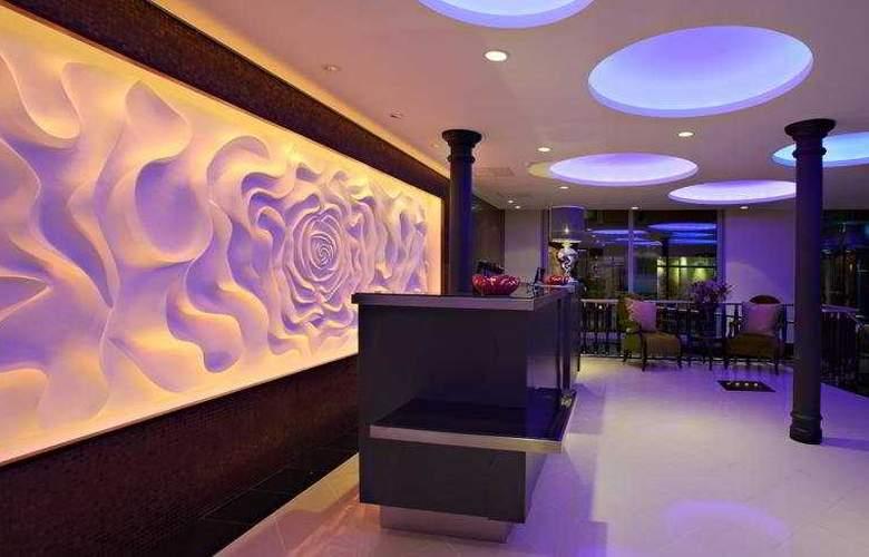 Adlon - Hotel - 0