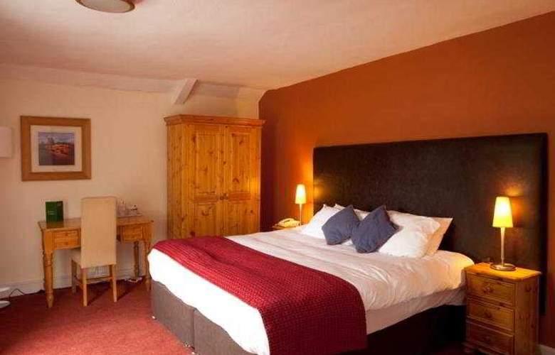 Falcon Hotel - Room - 4