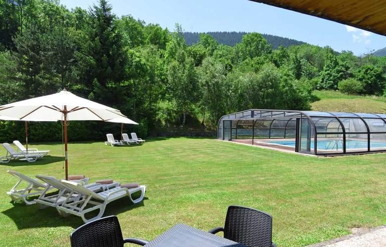 Tuca Hotel - Pool - 14