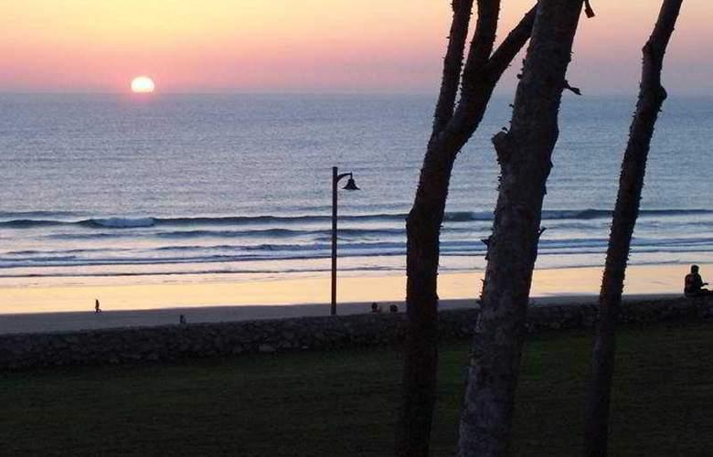 Oasis Atalaya - Beach - 3