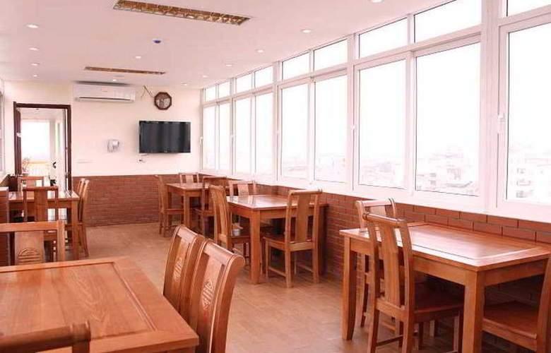 Lucky 3 - Restaurant - 5