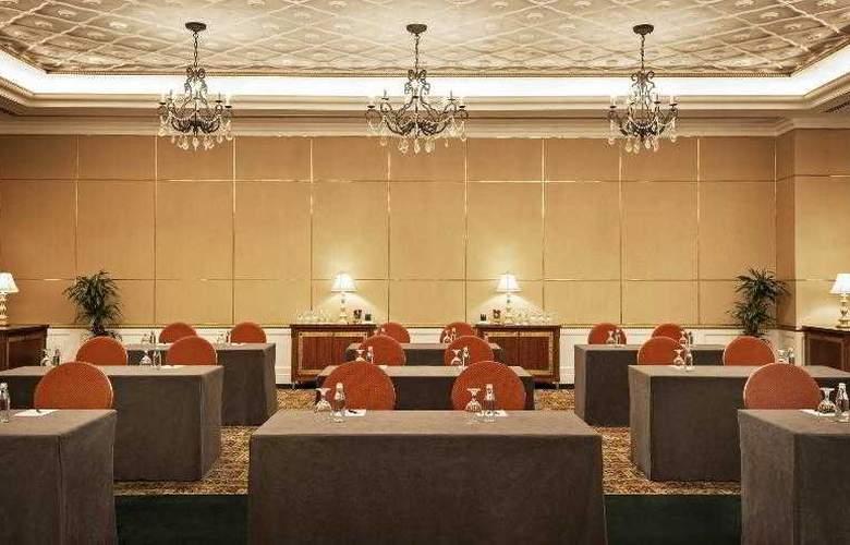Sheraton Abu Dhabi Hotel & Resort - Hotel - 8