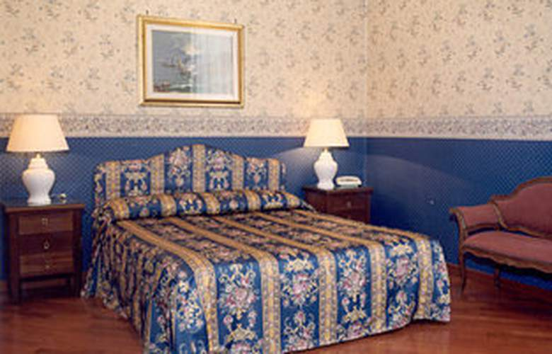 St. Moritz - Room - 1