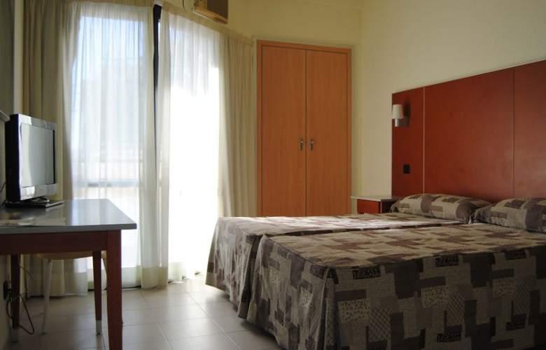 Oasis Plaza - Room - 6