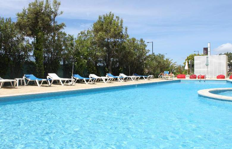 Tryp Lisboa Caparica Mar - Pool - 12