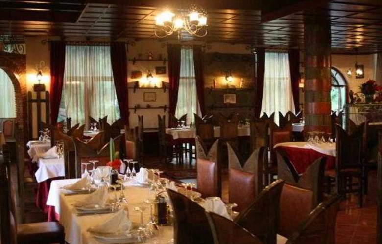 Castle Park - Restaurant - 3