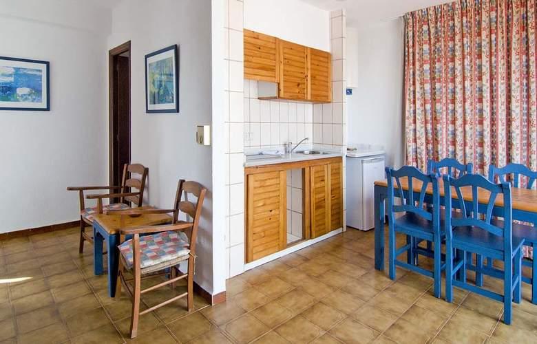 Apartamentos Pou Des Pujols - Room - 5