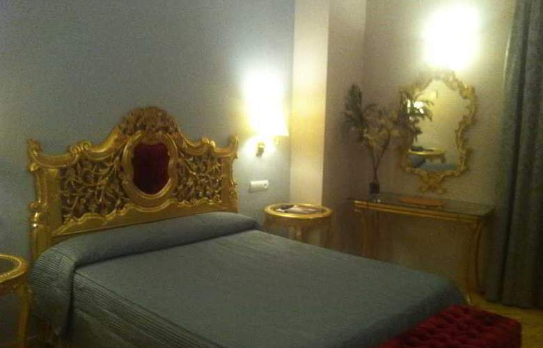 Adriano - Room - 10