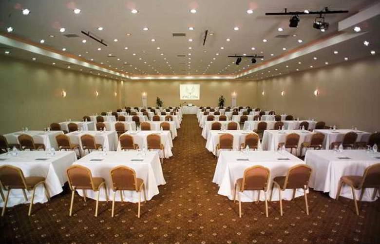 Club Hotel Falcon - Conference - 21
