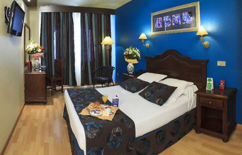 Bellavista Sevilla - Room - 4