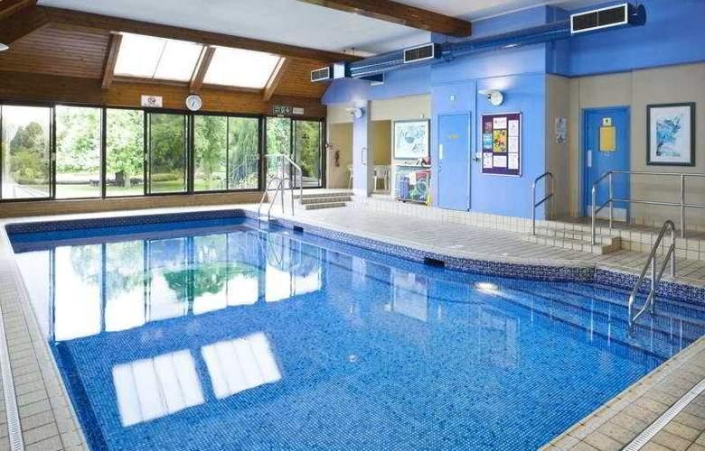 Hilton Avisford Park - Pool - 9