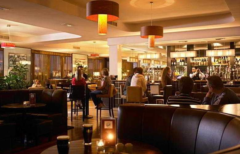 Carlton Hotel Dublin Airport - Bar - 4