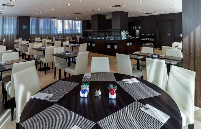 LCB Fuenlabrada - Restaurant - 4
