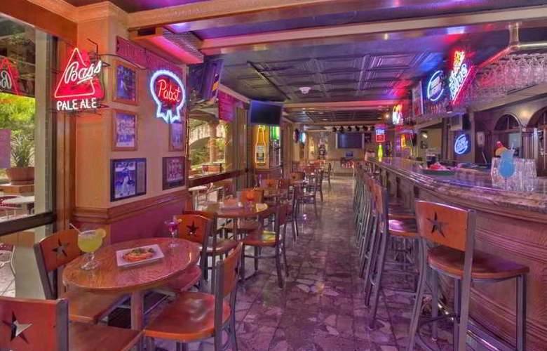 Hilton Palacio del Rio - Bar - 0