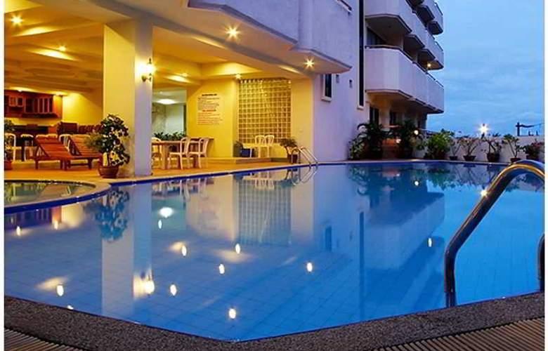 Mike Beach Resort - Pool - 7