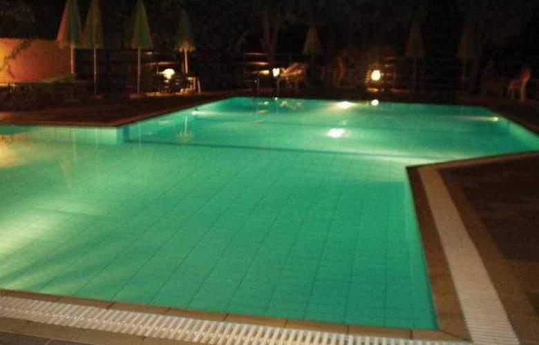 Ormos Atalia Aparthotel - Pool - 3