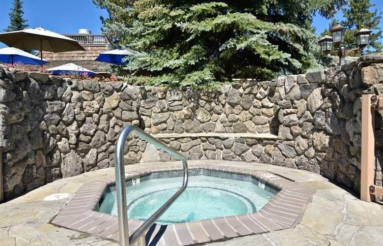 Best Western Plus Station House Inn - Pool - 53