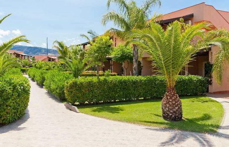 Tindari Resort & Marina Beach - Hotel - 0