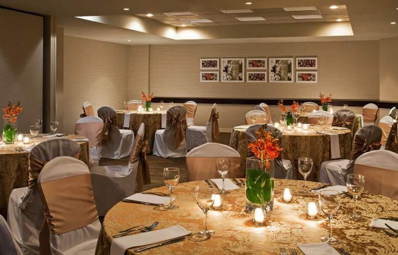 Sheraton Suites Orlando Airport - Restaurant - 20