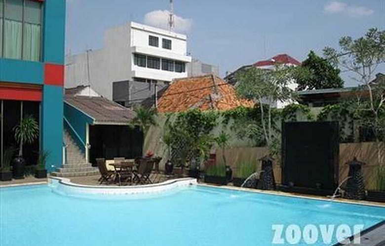 Ibis Kemayoran Jakarta - Pool - 10