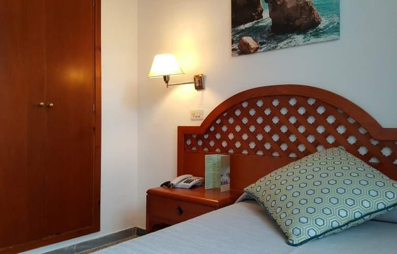 Pinos Playa - Room - 6