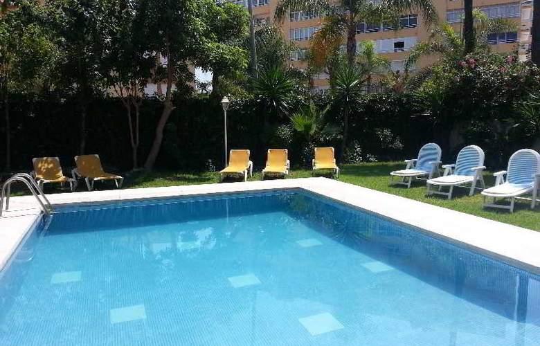 Arcos De Montemar - Pool - 13