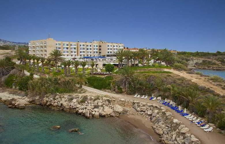 Queen's Bay - Hotel - 13
