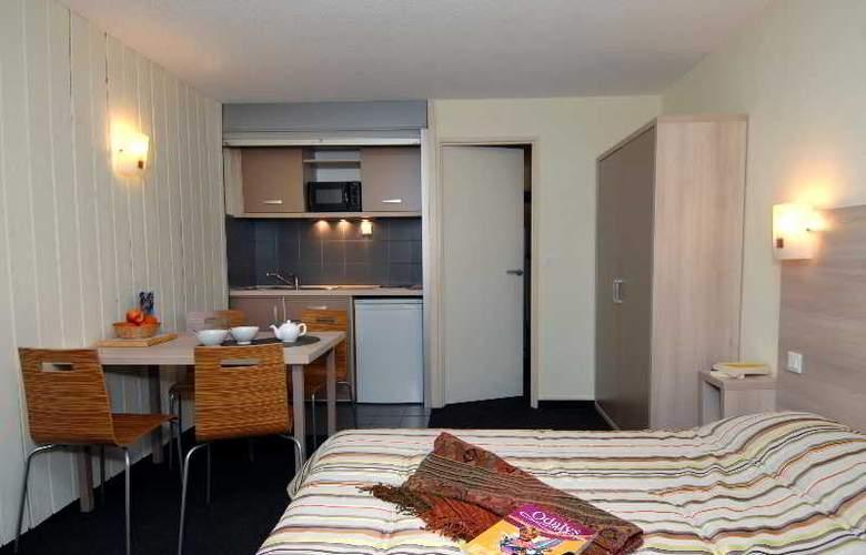 Garden & City Cauterets - Balneo - Room - 12