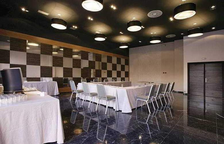 Holiday Inn Madrid Las Tablas - Conference - 4