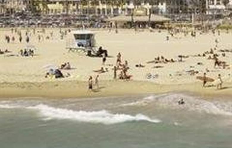 Shorebreak - Beach - 0